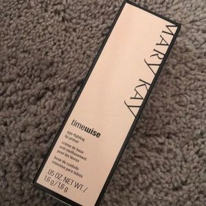MARY KAY Timewise Age-Fighting Lip Primer